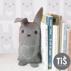 Gratis #deurstopper / #boekensteun download! Ontwerp TiS Lifestyle voor Kinderkamerstylist.nl