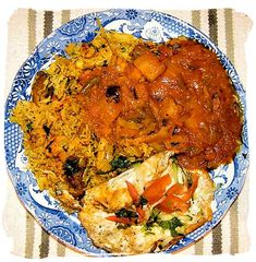Byriyani with chutney and fried egg South African food adventure, South Africa food safari - Cape Town food! South African Dishes, South African Recipes, Ethnic Recipes, Song Of Style, Dinner Entrees, Be Natural, Biryani, International Recipes, Tasty Dishes