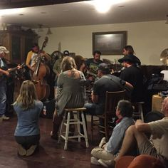 Sometimes you just want to sit in a living room (bar) and listen to friends pickin' and grinnin'. And there was plenty of both. @braunbrothersreunion @hillbillymfwilly @garytown22 @billydewitt @mickybraun @court_patton @jasoneady @departed_music