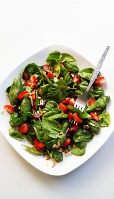 {Healthy, Low Calorie, Vegan. Gluten-Free} Strawberry Spinach Salad with Maple Vinaigrette