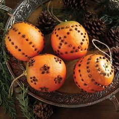 Scented Orange Clove Ornaments, Add fresh color and appealing clove aroma to your festivities. Each one of these faux pomander balls includes a hanging string for your tree or elsewhere. Christmas Greenery, Noel Christmas, Christmas Candles, Christmas Decorations, Christmas Ornaments, Orange Ornaments, Pot Pourri, Old Fashioned Christmas, Diy Weihnachten