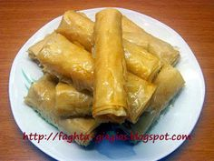 Φλογέρες με καρύδα (ινδοκάρυδο) Greek Pastries, Greek Sweets, Spanakopita, Greek Recipes, Dessert Recipes, Desserts, Sweet Treats, Recipies, Food And Drink