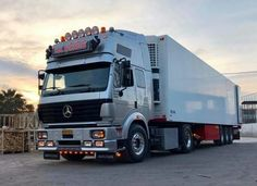 Mercedes Benz SK Mercedes Benz Maybach, Mercedes Benz Trucks, Show Trucks, Big Trucks, Old Lorries, Sport Truck, Semi Trailer, Classic Trucks, Cars And Motorcycles