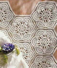 The hexagonal motif crochet pattern – very lovely, great for table cloths and bedspreads! Шестиугольный мотив крючком crochet hexagonal More Great Looks Like This
