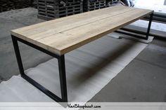 Balken tafelblad met stalen O-frame. #reclaimed #wood #staal #industrieel #wooninspiratie #interieur