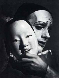 Otto Steinert – Porträt männlich Zwei Masken (Portrait of two male masks), 1949. S)