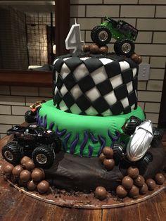 Monster truck birthday cake. Grave Digger colours.