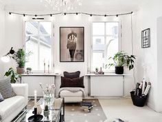 Handsome Scandinavian Interior Decorating Ideas for Small Spaces Scandinavian Design Living Room, Small Apartment Decorating, Decor, Living Room Scandinavian, Apartment Decor Inspiration, Scandinavian Interior, Interior Design, Home Decor, Beautiful Living Rooms