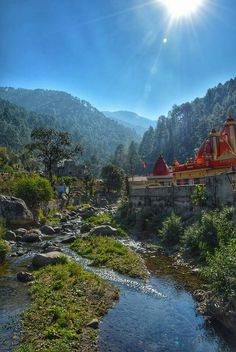 Kainchi Dham ashram( Nainital ) Attracted tech titans such as Steve Jobs of Apple and Mark Zuckerberg of Facebook Nov 2016 #ShimlaLife
