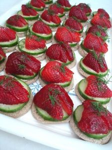 strawberry tea sandwiches recipe (can you tell I <3 me some cucumber sandwiches?) :P