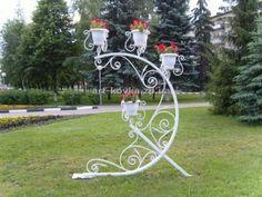 Уличные подставки для цветов из металла фото