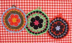 Agarraderas a crochet, $35 en http://ofeliafeliz.com.ar