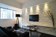 There is something about white brick wall ideas that I really like. No matter what kind of space it is, I like to see a brick wall no matter how small that area is Brick Wall Tv, Brick Wall Bedroom, Brick Wall Kitchen, Painted Brick Walls, Faux Brick Walls, White Brick Walls, Exposed Brick Walls, Whitewashed Brick, Paint Brick