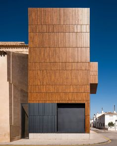 miguel-bretones-and-julia-gonzalez-restoration-of-theatre-huescar-spain-designboom-02