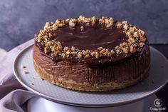 Čokoládový pečený cheesecake s orechami   CrispyWorld Food Logo Design, Food Snapchat, Watercolor Logo, The Ordinary, Ale, Cheesecake, Lemon, Appetizers, Baking