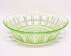 Colonial Green Lrg Berry Bowl Hocking Depression Glass. Please click the image for more information.
