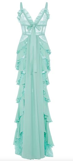 Get inspired and discover Elie Saab trunkshow! Shop the latest Elie Saab collection at Moda Operandi. Elie Saab, Haute Couture Style, Looks Style, Beautiful Gowns, Dream Dress, Pretty Dresses, Dress To Impress, Blouses For Women, Designer Dresses