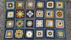Kalevala-peitto koostuu 24 palasesta, joiden aiheet on poimittu löyhästi Kalevalasta. Blanket, Knitting, Holiday Decor, Crochet, Inspiration, Afghans, Image, Crocheting, Hand Crafts