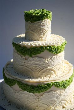 A.Mazing. Moss and doily lace love. By the fabulous Le Torte di Toni.