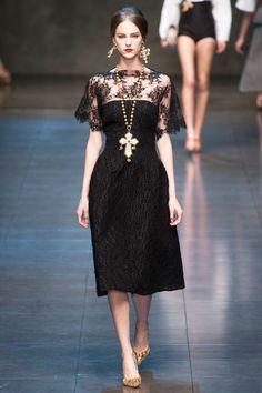 Trendy Fashion Week Show Dolce & Gabbana Ideas Fashion Week, Trendy Fashion, Winter Fashion, Fashion Show, Fashion Looks, Review Fashion, Style Couture, Couture Fashion, Runway Fashion