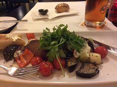 Grilovana zelenina s rozpecenou parenicou (vecera v Art Hotel Budapest)