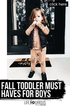 Click to see these fall toddler must haves for boys on Life Lutzurious! Cute fall toddler boy outfits pictures. Best toddler boy fall outfits pictures and toddler boy fall outfits ideas. Cute toddler boy outfits fall you'll love wearing. Stylish fall boy outfits kids fashion. Cute fall kids fashion boys. Things to do when bored at home for kids indoor activities. Super nice baby boy outfits for fall pictures. The best fall family pictures outfits with baby boy. #kids #toddler #fall Fall Family Picture Outfits, Fall Family Pictures, Fall Fashion Outfits, Fall Fashion Trends, Autumn Fashion, Toddler Boy Outfits, Kids Outfits, Cute Toddlers, Kids Fashion Boy