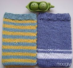 Kindle Cozy Covers - 2 Ways! A free knitting pattern (with options) at mooglyblog.com