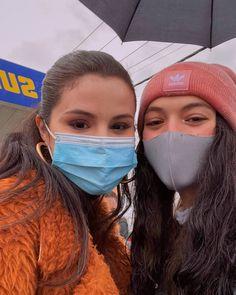 Selena Gomez Selfies, Rare Photos, Cool Photos, Ariana Video, Marie Gomez, Celebs, Celebrities, Music Lovers, Cool Girl