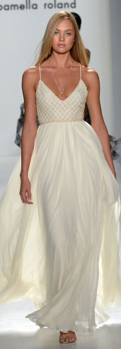 Candace Swanepoel in Pamella Roland.