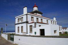 O Farol da Ponta da Ferraria localiza-se na Ponta da Ferraria, na Ilha de São Miguel, Açores, Portugal