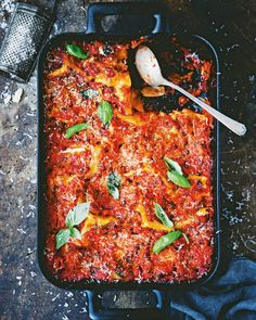 Some of the greatest Italian recipes are vegetarian and we have plenty to prove it. Choose from pasta dishes, lasagne, risottos, panzanella and more. Vegetarian Lasagne, Tasty Vegetarian Recipes, Lunch Recipes, Healthy Recipes, Italian Dishes, Italian Recipes, How To Make Lasagne, Lasagne Recipes, Pasta Recipes