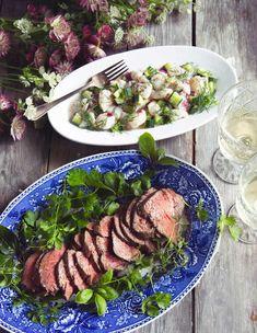 Yrttimarinoitu paahtofilee on helppo, mutta juhava tarjottava. Kylmänä tarjottavan lihan seuraksi voit halutessasi keittää perunoita tai muita kasviksia. Beef, Food, Meat, Essen, Meals, Yemek, Eten, Steak
