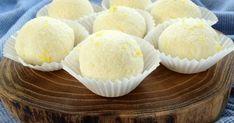 Rafine şeker tüketmeden, bol peynirli, mis kokulu mini mini tatlılar tüketmek isteyenlere şahane bir alternatifimiz var: Hindistan cevizli kartopları.