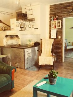 Heinäseiväs-seinä William Morris Art, Entryway Tables, Arts And Crafts, Wall, Diy, Furniture, Home Decor, Decoration, Ideas