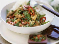 Rezept: Kokos-Hähnchen mit Curry und Zuckerschoten