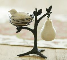 partridge in a pear tree salt and pepper shakers. i actually like it better as a christmas decoration rather than for salt and pepper shakers haha French Bleu, Modern Serveware, Pyrus, Pear Trees, Salt And Pepper Set, Rustic White, White White, Partridge, 12 Days Of Christmas