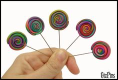 """Alfileres de novia """"Piruleta Multicolor"""". Solicita tu catálogo con toda la info a gizpins@hotmail.com También en www.gizpins.es"""