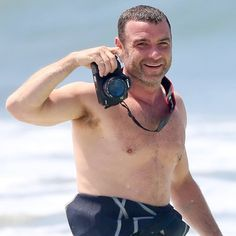 Pin for Later: When Shirtless Liev Schreiber Smiles, We Smile