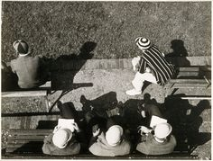 Moholy-Nagy László: Eton. Eleves watching cricket from the pavilion on Agar's Plough, ca. 1930