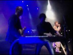 David Bowie & Nine Inch Nails- Hallo Spaceboy [Live] - YouTube