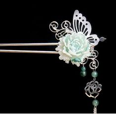 New jewerly ideas pearl crystals ideas Cute Jewelry, Hair Jewelry, Jewelry Accessories, Fashion Accessories, Hanfu, Chinese Hairpin, Ancient Jewelry, Hair Sticks, Hair Ornaments