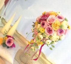 ウェディングブーケ手作りレッスンで、 花嫁のお姉さまが妹様のために制作された可愛いらしいブーケ。 MIXカラーのピンクドレスに合わせて、ブーケはワントーンあげたカラフルな色合いに。   ホワイトドレスから、こんなカラフルなブーケにチェンジすると、ゲストの方々にもハッ✨としてしただけそうですね。  #ウェディング花手箱#フラワー花手箱#ウェディングブーケ#ウェディングブーケ手作り#ウェディングレッスン#カラフルブーケ#ウェディングブーケ#ピンクドレス#お色直し#グラデーションカラーのローズ
