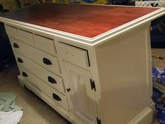 turn an old dresser into a kitchen island! This is a must!!