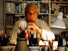 Juan Marsé en su casa de Barcelona - Getty Images. 'Últimas tardes con Teresa', la novela que consagró a Juan Marsé, cumple cincuenta años