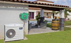Les conseils de Système D et les explications en images pour réussir l'installation d'une pompe à chaleur pour chauffer une piscine et réaliser les brancheme... Pac Piscine, Tube Pvc, Local Technique, Outdoor Decor, Liner, Home Decor, Images, House, Heat Pump System