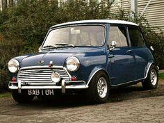 Austin mini bought at block Mini Morris, Cooper Car, Mini Cooper S, My Dream Car, Dream Cars, Classic Mini, Classic Cars, Austin Cars, Beetle Convertible