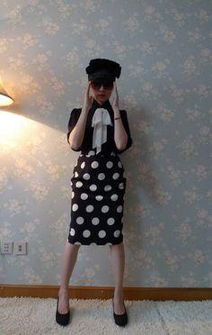 love her skirt.