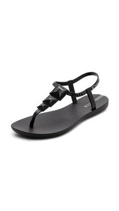 c09e7224a15b3 Ipanema Maya Studded Rubber Sandals Trendy Womens Shoes