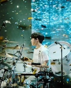 Gravity in Jakarta Day6 Dowoon, Pictures Of People, Pink Wallpaper, Drums, Kpop, Bright, Concert, Jakarta, Wallpapers