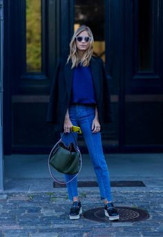 Love the jeans and top pairing here. So laid back and yet pulled together. The best street style from Copenhagen Fashion Week - Fashion Quarterly Fashion Mode, Look Fashion, Daily Fashion, Fashion Edgy, Green Fashion, Kawaii Fashion, Lolita Fashion, Fashion Beauty, Fashion Trends